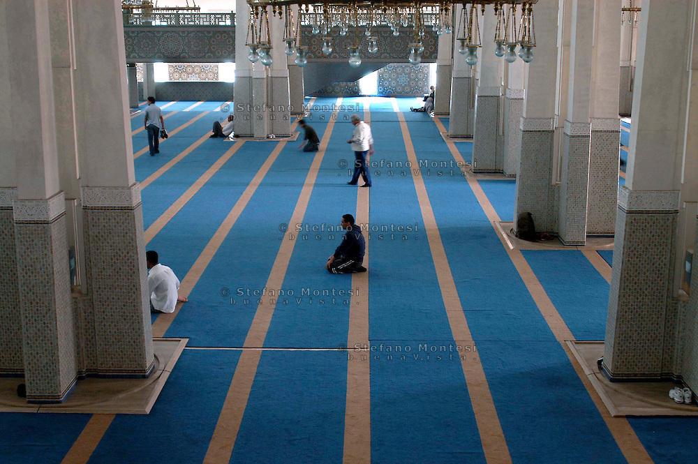 Roma 14 Settembre 2007.Il Primo Venerdi del Ramadan alla Grande  Moschea di Roma.<br /> Rome, September 14, 2007. The First Friday of Ramadan in the Great Mosque of Rome