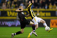 Onderwerp/Subject: Vitesse - Willem II      Eredivisie<br /> Reklame: <br /> Club/Team/Country: Vitesse - Willem II<br /> Seizoen/Season: 2009/2010<br /> FOTO/PHOTO: Vitesse's Alexander BUTTNER (R) in duel with Willem II's Jens JANSE (L) (Photo by PICS UNITED/Aaron van Zandvoort)<br /> <br /> Trefwoorden/Keywords: <br /> #04 $28 &plusmn;1261427875599<br /> Photo- &amp; Copyrights &copy; PICS UNITED<br /> P.O. Box 7164 - 5605 BE  EINDHOVEN (THE NETHERLANDS)<br /> Phone +31 (0)40 296 28 00<br /> Fax +31 (0) 40 248 47 43<br /> http://www.pics-united.com<br /> e-mail : sales@pics-united.com (If you would like to raise any issues regarding any aspects of products / service of PICS UNITED) or<br /> e-mail : sales@pics-united.com <br /> <br /> ATTENTIE:<br /> Publicatie ook bij aanbieding door derden is slechts toegestaan na verkregen toestemming van Pics United.<br /> VOLLEDIGE NAAMSVERMELDING IS VERPLICHT! (&copy; PICS UNITED/Naam Fotograaf, zie veld 4 van de bestandsinfo 'credits')<br /> ATTENTION: <br /> &copy; Pics United. Reproduction/publication of this photo by any parties is only permitted after authorisation is sought and obtained from  PICS UNITED- THE NETHERLANDS
