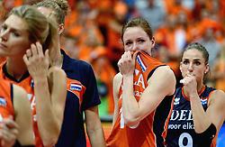 04-10-2015 NED: Volleyball European Championship Final Nederland - Rusland, Rotterdam<br /> Nederland verliest kansloos de finale met 3-0 van Rusland en moet genoegen nemen met zilver / Teleurstelling bij Lonneke Sloetjes #10 en Myrthe Schoot #9