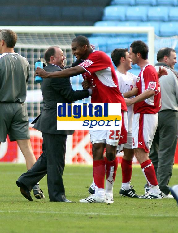 Photo: Mark Stephenson.<br /> Coventry City v Bristol City. Coca Cola Championship. 15/09/2007.Bristol City manager Gary Johnson celebrates with Marvin Elliott