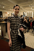ERIN O'CONNOR, Book launch for ÔThe Measure' edited by Louise Clarke.  commissioned by the London College of Fashion. Bluebird. King's Rd. London. 21 November 2007. -DO NOT ARCHIVE-© Copyright Photograph by Dafydd Jones. 248 Clapham Rd. London SW9 0PZ. Tel 0207 820 0771. www.dafjones.com.