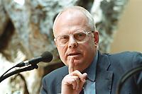 """26 APR 2000, BERLIN/GERMANY:<br /> Meinhard Miegel, Institut für Wirtschaft und Gesellschaft, Bonn, während der SPD Forumsveranstaltung """"Grundwerte heute: Gerechtigkeit"""", Willy-Brandt-Haus<br /> IMAGE: 20000426-01/02-25"""