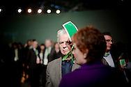 ROMA. UN DELEGATO DEL PARTITO DEMOCRATICO AL VOTO NEL CORSO DELL'ASSEMBLE NAZIONALE; A DELEGATE OF THE DEMOCRATIC PARTY TO VOTE DURING NATIONAL OF ASSEMBLE