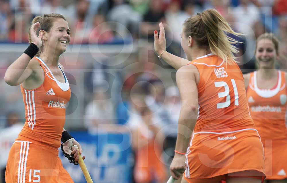ROTTERDAM - Hock World League Semi Final Women<br /> Netherlands v Chile<br /> foto: Sabine Mol (l) celebrate with MAGIS Valerie<br /> FFU PRESS AGENCY COPYRIGHT FRANK UIJLENBROEK