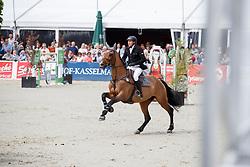 NAEVE Jörg (GER), Be Aperle Va<br /> Hagen - Horses and Dreams meets the Royal Kingdom of Jordan 2018<br /> Grosser Preis der DKB Qualifikation DKB-Riders Tour<br /> 30 April 2018<br /> www.sportfotos-lafrentz.de/Stefan Lafrentz
