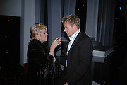 GLORIA HUNNIFORD AND GORDON RAMSAY, 17th Annual Book Awards, hosted by richard and Judy. grosvenor House. London. 29 March 2006. ONE TIME USE ONLY - DO NOT ARCHIVE  © Copyright Photograph by Dafydd Jones 66 Stockwell Park Rd. London SW9 0DA Tel 020 7733 0108 www.dafjones.com