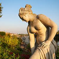 Stone statue at the Relais & Chateaux La Cote Saint-Jacques in Joigny.