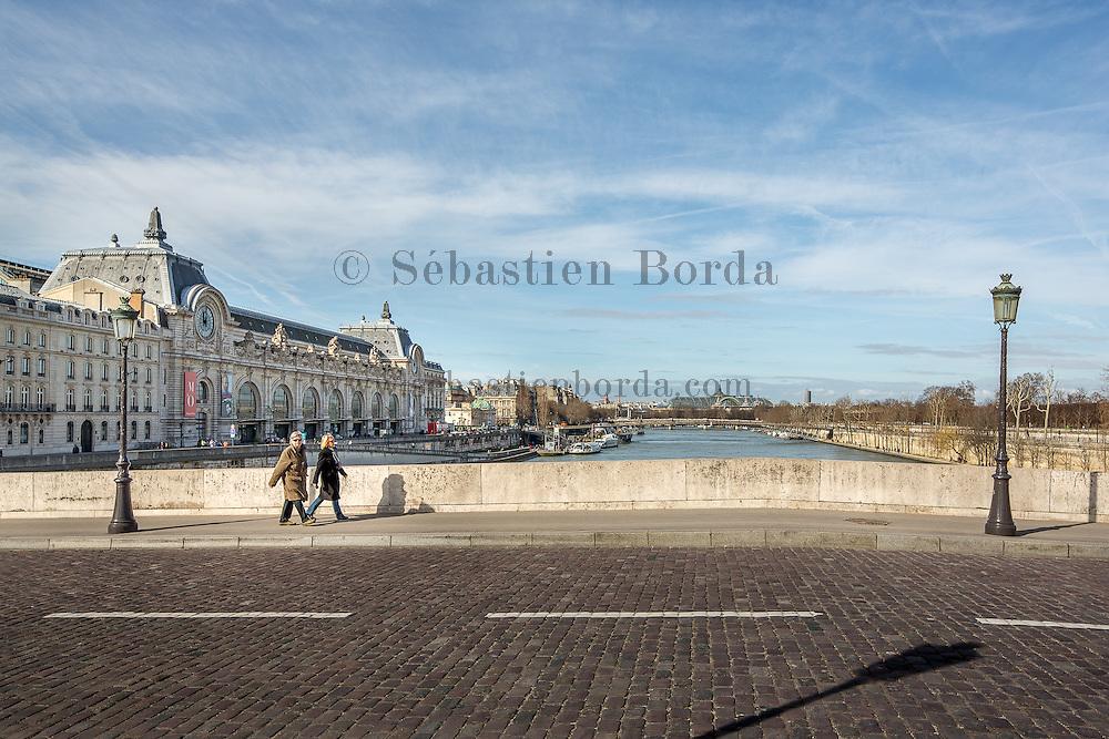 Pont Royal près du musée d'Orsay // Royal bridge near Musée d'Orsay