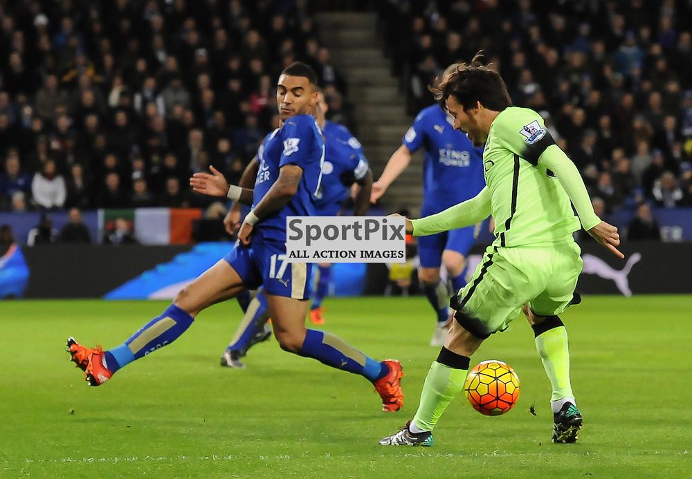 David Silva finds his way blocked by Danny Simpson (c) Simon Kimber | SportPix.org.uk