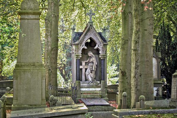 Nederland, Nijmegen, 10-9-2018Een praalgraf op de begraafplaats aan de Daalseweg .Het is een van de oudere kerkhoven van de stad, en er staan enkele mooie praalgraven van rijke families, rijkdom,burgerij,welvarende,aanzien,hoog,in,notabelen . Het kerkhof is een monument en met open monumentendag wordt er een rondleiding gegeven.Foto: Flip Franssen