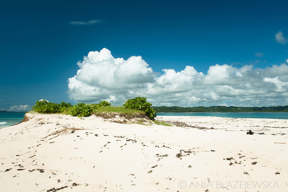 Philippines, Siargao. Beach of Naked Island,  of the tropical island of the archipelago.