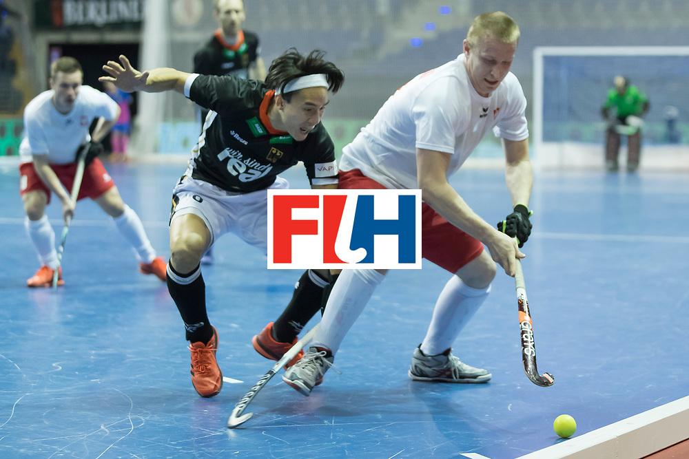Hockey, Seizoen 2017-2018, 08-02-2018, Berlijn,  Max-Schmelling Halle, WK Zaalhockey 2018 MEN, Poland - Germany 3-6, NGUYEN Dan (GER) en MAKOWSKI Krystian (POL)