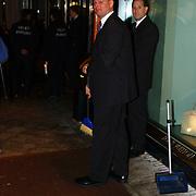 Eenjarig bestaan Louis Vuitton Nederland, Frank Schmidt en Richard van Vught, TSC beveiliging