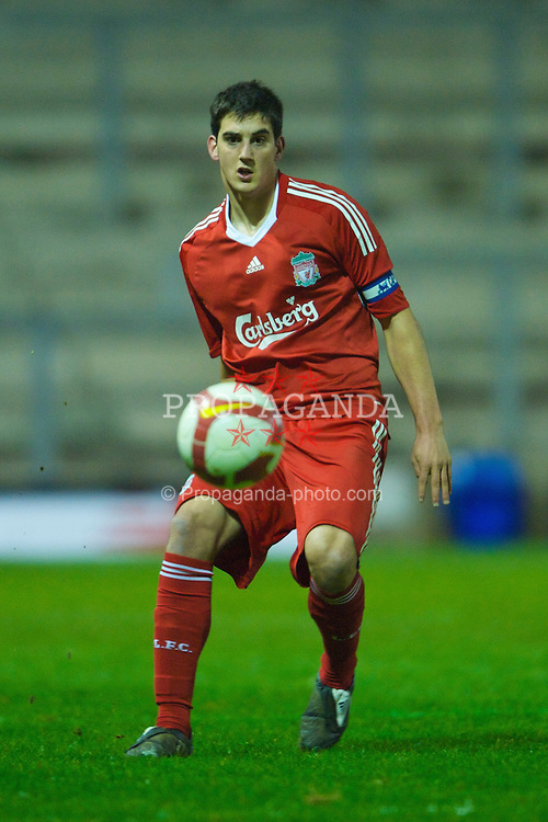WARRINGTON, ENGLAND - Thursday, March 12, 2009: Liverpool's Mikel San Jose Dominguez in action against Manchester United during the FA Premiership Reserves League (Northern Division) match at the Halliwell Jones Stadium. (Photo by David Rawcliffe/Propaganda)