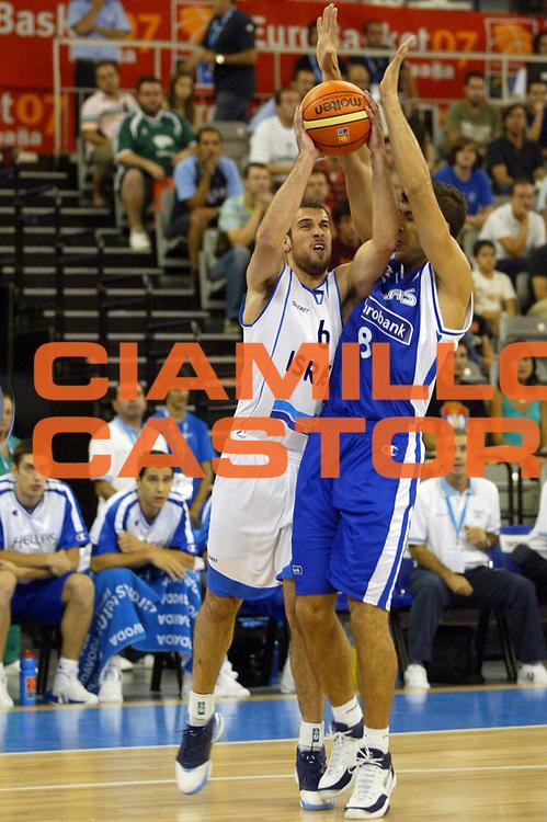 DESCRIZIONE : Granada Spagna Spain Eurobasket Men 2007 Israele Grecia Israel Greece <br /> GIOCATORE : Yotam Halperin <br /> SQUADRA : Israele Israel <br /> EVENTO : Eurobasket Men 2007 Campionati Europei Uomini 2007 <br /> GARA : Israele Grecia Israel Greece <br /> DATA : 03/09/2007 <br /> CATEGORIA : Tiro <br /> SPORT : Pallacanestro <br /> AUTORE : Ciamillo&amp;Castoria/A.Vlachos <br /> Galleria : Eurobasket Men 2007 <br /> Fotonotizia : Granada Spagna Spain Eurobasket Men 2007 Israele Grecia Israel Greece <br /> Predefinita :