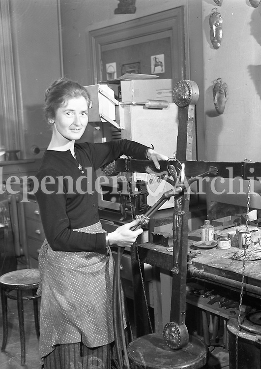 R3006<br />