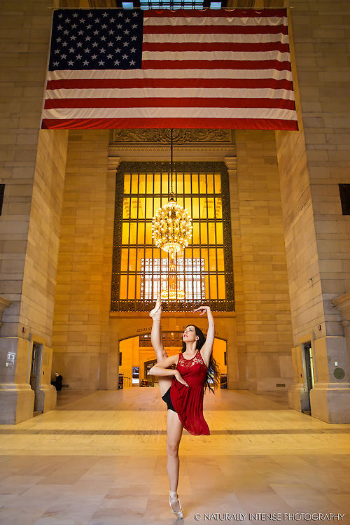 Lindsey Horrigan. Grand Central Terminal. Dance As Art- The New York Photography Project