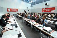 27 MAR 2007, BERLIN/GERMANY:<br /> Uebersicht Fraktionssitzung der Fraktion Die Linke, Fraktionssitzungssaal, Fraktionsebene, Deutscher Bundestag<br /> IMAGE: 20070327-01-021<br /> KEYWORDS: Übersicht, Abgeordnete, Sitzung,