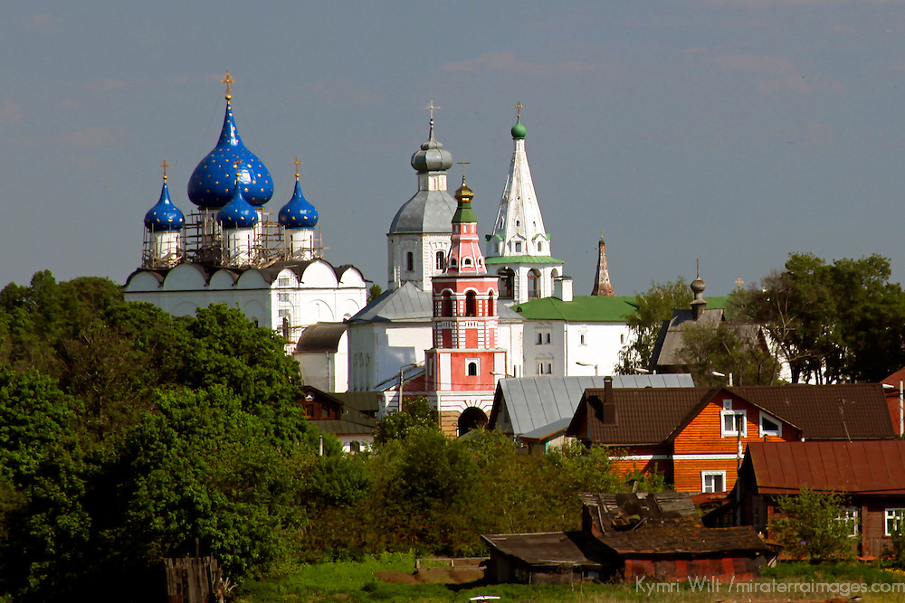 Europe, Russia, Suzdal. Landscape fo Suzdal and the Cathedral of the Nativity in distance.