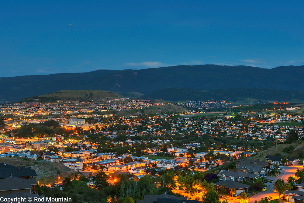 Cityscape of Vernon, British Columbia taken at dusk<br />