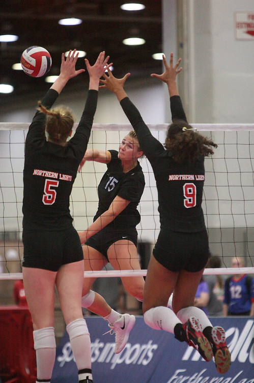 GJNC - July 2018 - Detroit, MI - 17 Open - Northern Lights (black and red) - TIV (black and white) - Photo by Wally Nell/Volleyball USA