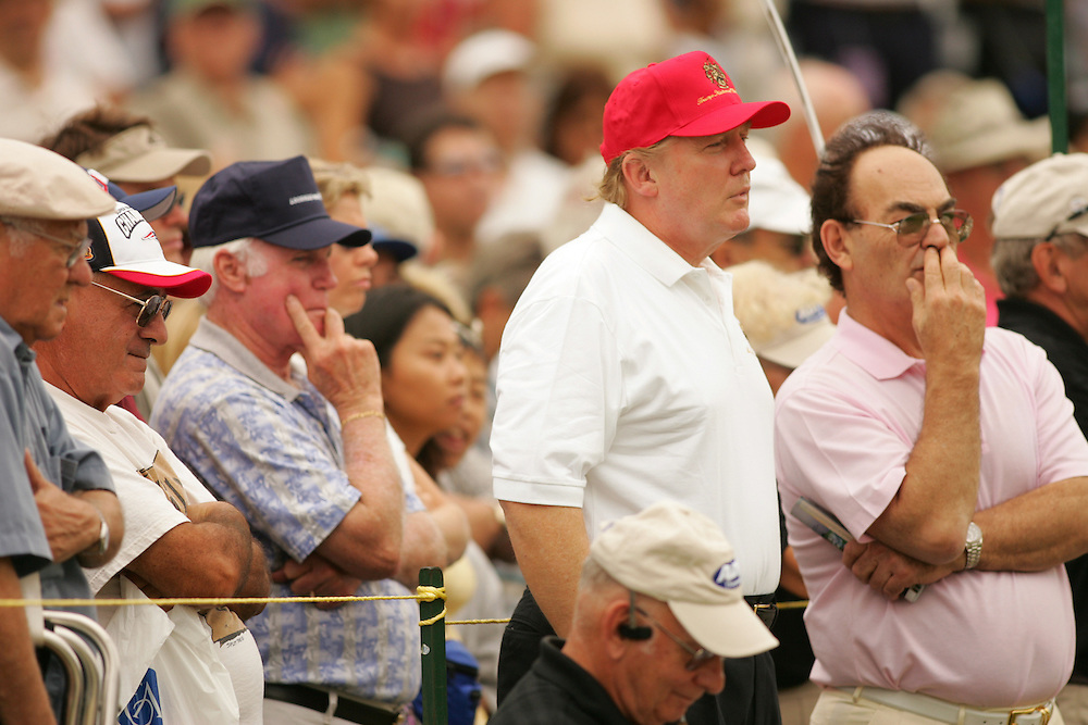 Donald Trump..2004 ADT Championsip..Final Round.Trump International GC.West Palm Beach, FL.Sunday, November 21 2004..photograph by Darren Carroll..X72281 Tk 2