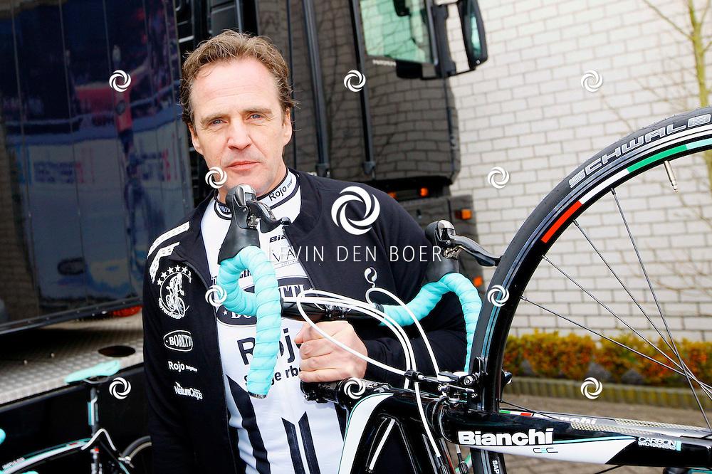 AMSTERDAM - Bij de hoofdsponsor Boretti is het nieuwe Sterrenfietsteam voor 2013 bekend gemaakt. Met op de foto  Joep Sertons. FOTO LEVIN DEN BOER - PERSFOTO.NU