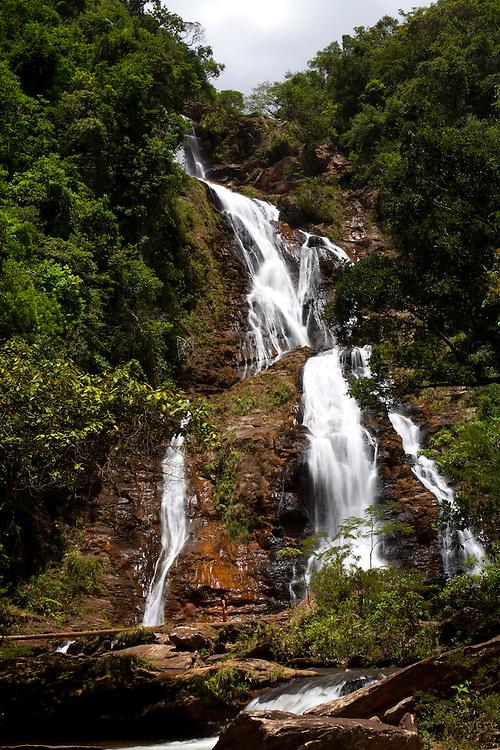 Rio Acima_MG, Brasil...Natureza no Condominio Tangara no municipio de Rio Acima. Na foto uma cachoeira...The nature in Tangara condominium in Rio Acima. In this photo, a waterfall...Foto: LEO DRUMOND /  NITRO