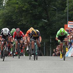 25-06-2017: Wielrennen: NK weg elite: Montferland<br /> s-Heerenberg (NED) wielrennen<br /> NK Wielrennen Elite<br />  Ramon Sinkeldam  is Nederlands kampioen bij de profs geworden. De renner van Sunweb was na bestudering van de fotofinish net iets sneller dan Wouter Wippert (WIerden) en Dylan Groenewegen