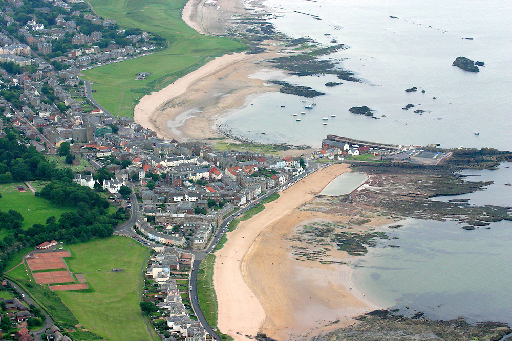 AAP3BG Aerial shot of North Berwick, East Lothian, Scotland
