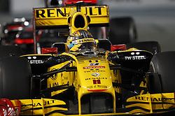 Motorsports / Formula 1: World Championship 2010, GP of Abu Dhabi, 11 Robert Kubica (POL, Renault F1 Team),