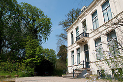 Villa Vijverhof is a stinzen estate in Nieuwersluis, Utrecht.
