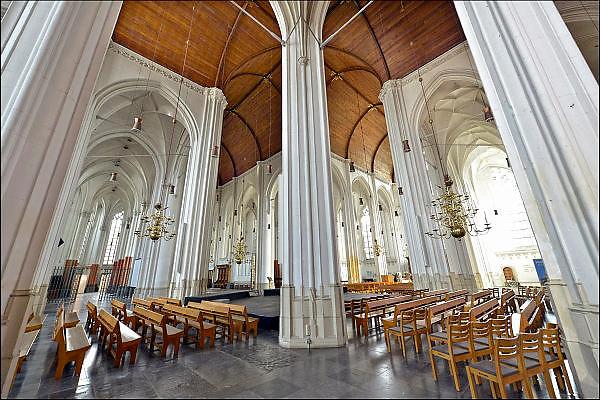 Nederland, Nijmegen, 5-2-2013 De St Stevenskerk wacht dringend op restauratie van met name het exterieur. Er wordt een beroep gedaan op particulieren om geld te schenken. Foto: Flip Franssen/Hollandse Hoogte