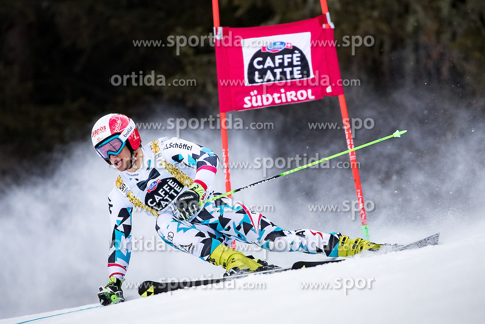 19.12.2016, Grand Risa, La Villa, ITA, FIS Ski Weltcup, Alta Badia, Riesenslalom, Herren, 1. Lauf, im Bild Roland Leitinger (AUT) // Roland Leitinger of Austria in action during 1st run of men's Giant Slalom of FIS ski alpine world cup at the Grand Risa race Course in La Villa, Italy on 2016/12/19. EXPA Pictures © 2016, PhotoCredit: EXPA/ Johann Groder