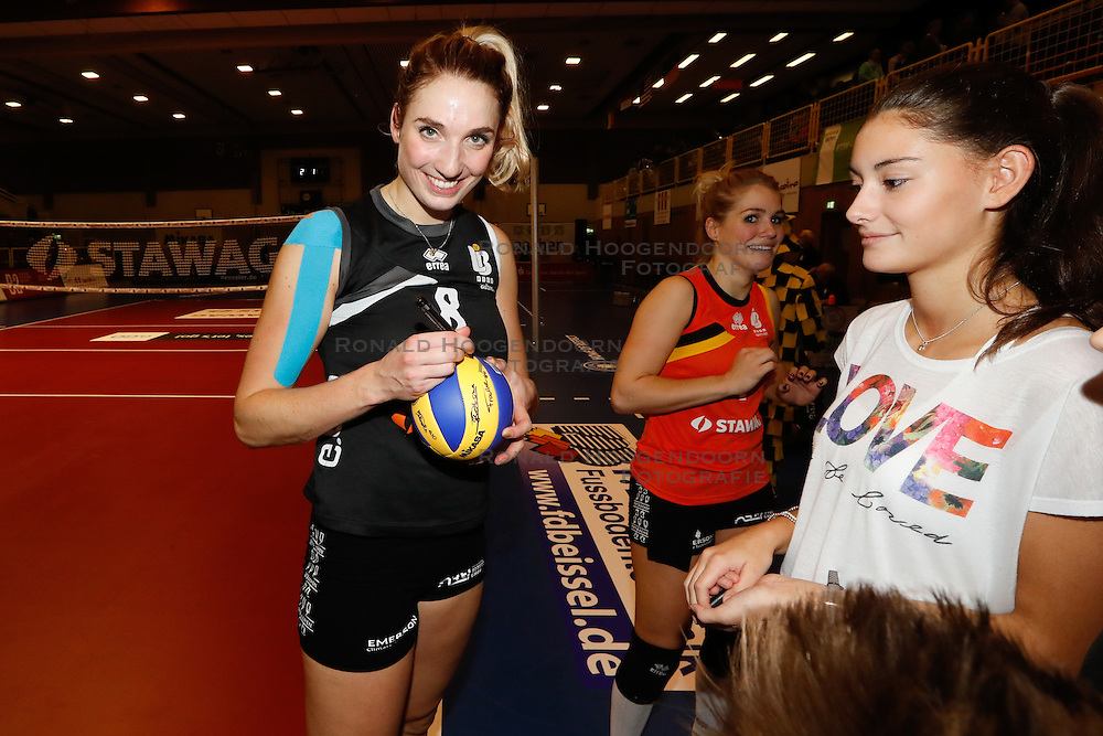 20161106 DUI: Bundesliga, Ladies in Black Aachen - MTV Allianz Stuttgart: Aachen<br />Jeanine Stoeten (8) of Ladies in Black Aachen<br />©2016-FotoHoogendoorn.nl / Pim Waslander