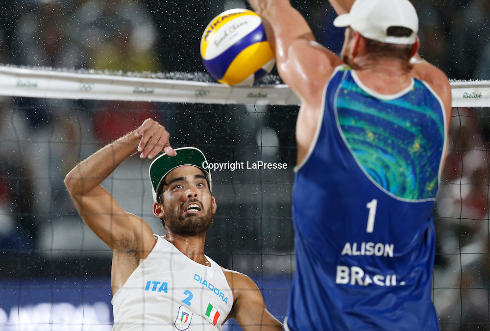 Foto LaPresse - Spada<br /> 19  agosto  2016 , Rio de Janeiro ( Brasile)<br /> Sport <br /> Olimpiadi Rio 2016 - Finale Beach Volley uomini <br /> P. Nicolai e D. Lupo ( ITA ) vs B. Schmidt e A. Cerutti ( BRA )<br /> Cerimonia di premiazione <br /> Nella foto:    D. Lupo ( ITA ) <br /> <br /> Photo LaPresse - Spada<br /> August 19 ,  2016  , Rio de Janeiro 2016  (Brazil)<br /> Sport<br /> Olympic games Rio 2016 - Men's beach volleyball final <br /> P. Nicolai e D. Lupo ( ITA ) vs B. Schmidt e A. Cerutti ( BRA )<br /> Winning ceremony<br /> In the pic:   D. Lupo ( ITA )