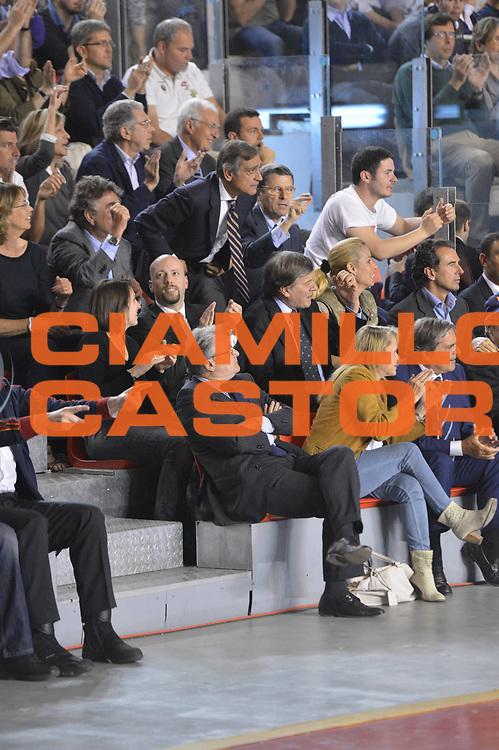 DESCRIZIONE : Roma Lega A 2012-2013 Acea Roma Lenovo Cant&ugrave; playoff semifinale gara 2<br /> GIOCATORE : Claudio Toti Tifosi VIP<br /> CATEGORIA : <br /> SQUADRA : Acea Roma<br /> EVENTO : Campionato Lega A 2012-2013 playoff semifinale gara 2<br /> GARA : Acea Roma Lenovo Cant&ugrave;<br /> DATA : 27/05/2013<br /> SPORT : Pallacanestro <br /> AUTORE : Agenzia Ciamillo-Castoria/GiulioCiamillo<br /> Galleria : Lega Basket A 2012-2013  <br /> Fotonotizia : Roma Lega A 2012-2013 Acea Roma Lenovo Cant&ugrave; playoff semifinale gara 2<br /> Predefinita :