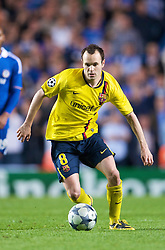 LONDON, ENGLAND - Wednesday, May 6, 2009: Barcelona's Andres Iniesta in action against Chelsea during the UEFA Champions League Semi-Final 2nd Leg match at Stamford Bridge. (Photo by David Rawcliffe/Propaganda)