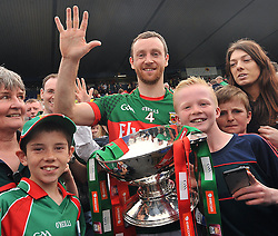 High 5 for 5 in Row Connacht Champions....Keith Higgins surrounded by jubilant Mayo Fans in Hyde Park after Mayo's Connacht Final win over Sligo on sunday.<br /> Pic Conor McKeown