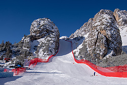 18.01.2019, Olympia delle Tofane, Cortina d Ampezzo, ITA, FIS Weltcup Ski Alpin, Abfahrt, Damen, im Bild übersicht auf die Rennstrecke Pista Olympia delle Tofane // Overview of the race course Pista Olympia delle Tofane during the ladie's Downhill of FIS ski alpine world cup at the Olympia delle Tofane in Cortina d Ampezzo, Italy on 2019/01/18. EXPA Pictures © 2019, PhotoCredit: EXPA/ Johann Groder