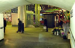 UK ENGLAND LONDON 1DEC11 - London Bridge bus station entrace.....jre/Photo by Jiri Rezac....© Jiri Rezac 2011