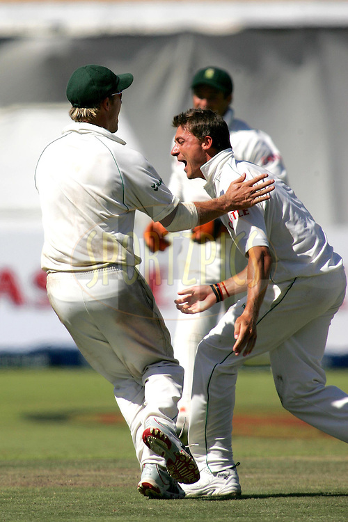 WESTERN CAPE, SOUTH AFRICA - 5th January 2007, Dale Steyn celebrates the wicket of Anil Kumble during day 4 of the third test between South Africa and India held at Newlands Stadium, Cape Town...Photo by RG/Sportzpics.net..