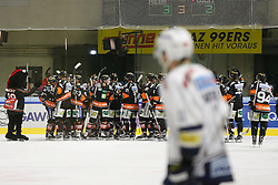 06.12.2015, Eisstadion Liebenau, Graz, AUT, EBEL, Moser Medical Graz 99ers vs EC VSV, 28. Runde, im Bild Siegesjubel der 99ers // during the Erste Bank Icehockey League 28th Round match between Moser Medical Graz 99ers and EC VSV at the Ice Stadium Liebenau, Graz, Austria on 2015/12/06, EXPA Pictures © 2015, PhotoCredit: EXPA/ Erwin Scheriau