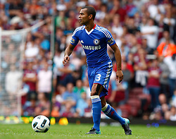 11.09.2010, Boleyn Ground Upton Park, London, ENG, PL, West Ham United vs FC Chelsea, im Bild Chelsea's Ashley Cole. Barclays Premier League West Ham United v Chelsea. EXPA Pictures © 2010, PhotoCredit: EXPA/ IPS/ Kieran Galvin +++++ ATTENTION - OUT OF ENGLAND/UK +++++ / SPORTIDA PHOTO AGENCY