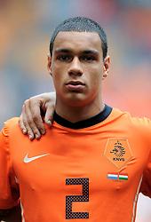 05-06-2010 VOETBAL: NEDERLAND - HONGARIJE: AMSTERDAM<br /> Nederland wint met 6-1 van Hongarije / Gregory van der Wiel<br /> ©2010-WWW.FOTOHOOGENDOORN.NL