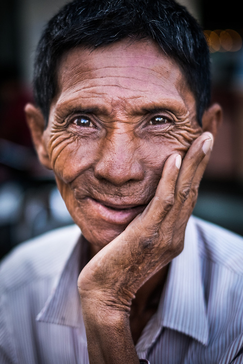 I photographed this khmer man while walking on the streets of Phnom Penh, Cambodia. When I asked to take his portrait he agreed with a sense of pride.<br /> Photo by Lorenz Berna