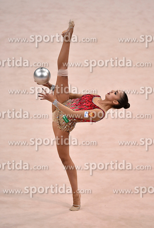 08.09.2015, Porsche Arena, Stuttgart, GER, Gymnastik WM, im Bild Margarita Mamun (RUS) Ball // during the World Rhythmic Gymnastics Championships at the Porsche Arena in Stuttgart, Germany on 2015/09/08. EXPA Pictures &copy; 2015, PhotoCredit: EXPA/ Eibner-Pressefoto/ Weber<br /> <br /> *****ATTENTION - OUT of GER*****