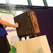 NLD/Hilversum/20140310 - Konining Maxima opent Week van het Geld 2014,