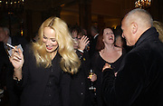 Jerry Hall. Reception for Elaine Stritch at the Savoy after the first  night at the Old Vic. 9 October 2002. © Copyright Photograph by Dafydd Jones 66 Stockwell Park Rd. London SW9 0DA Tel 020 7733 0108 www.dafjones.com