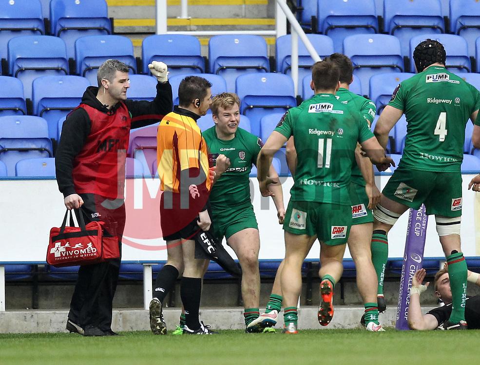 London Irish's Scott Steele celebrates scoring a try - Photo mandatory by-line: Robbie Stephenson/JMP - Mobile: 07966 386802 - 05/04/2015 - SPORT - Rugby - Reading - Madejski Stadium - London Irish v Edinburgh Rugby - European Rugby Challenge Cup